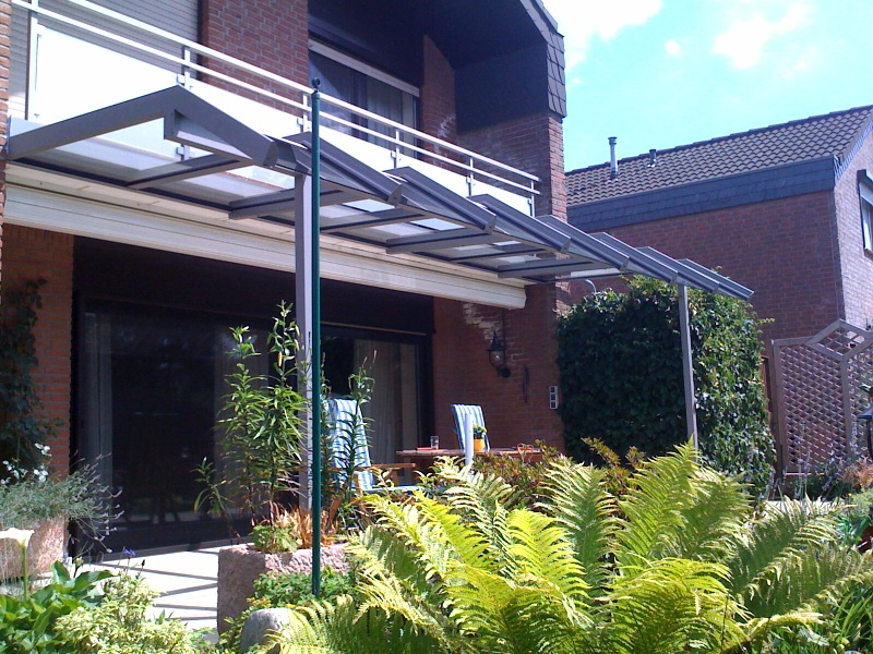 Terrassenüberdachung mit Solarknick in Kempen