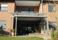 Terrassenüberdachung mit steigender Rinne in Grefrath