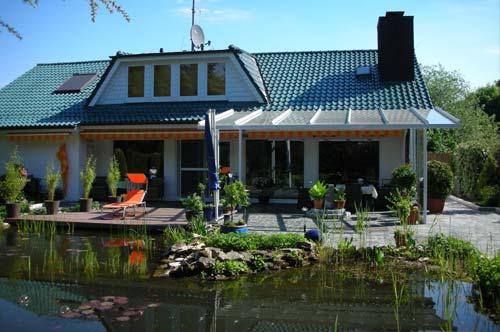 Terrassenüberdachung freistehend ohne Anschluss am Haus in Düsseldorf