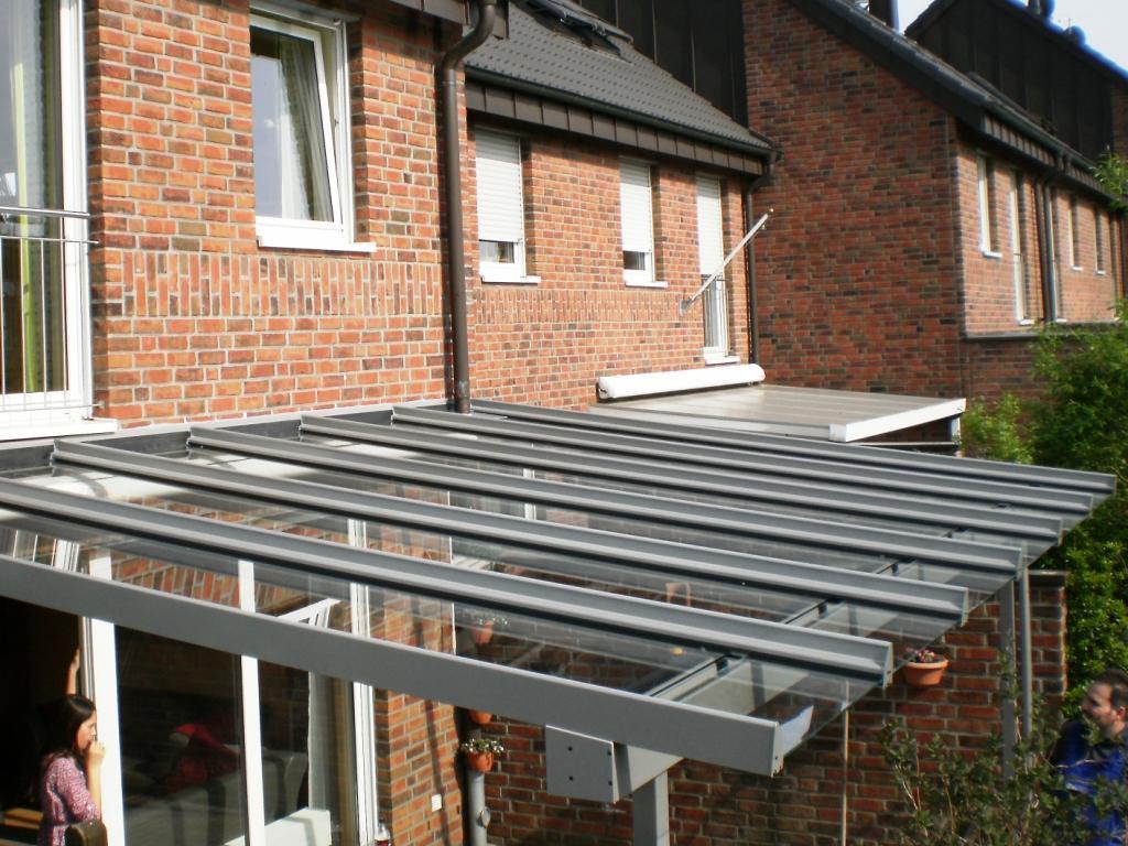 Terrassenüberdachung mit Überstand in Mönchengladbach