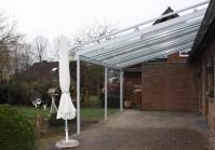 Terrassenüberdachung mit direktem Dachsparrenanschluss in Kempen